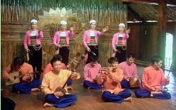 maichau-dance-folklorique