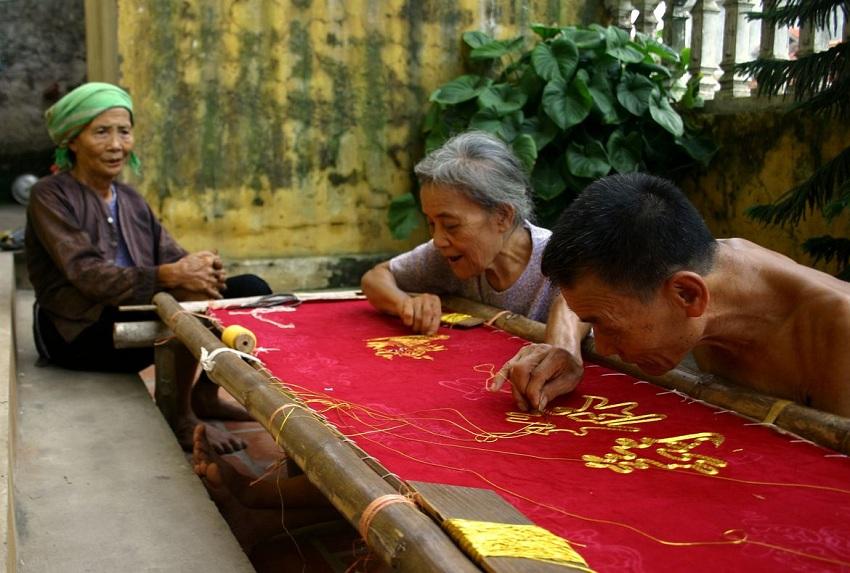 Broderie-au-village-vietnamien
