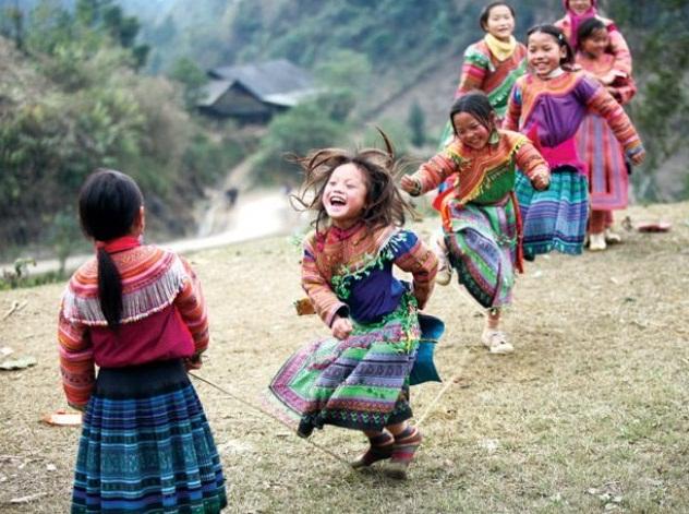 Enfants-ethniques-H'-mong