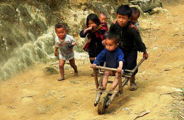 Enfants-ethniques-vietnamiens