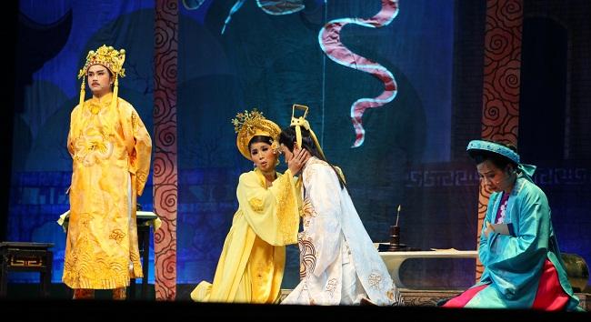 spectacle-de-cai-luong-au-vietnam