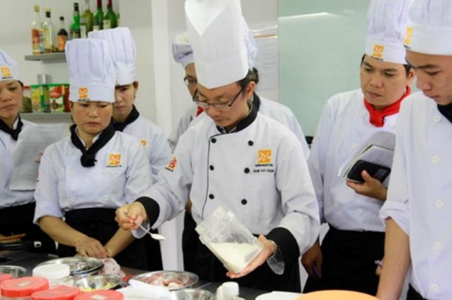 cours-de-cuisine-pour-recette-de-soupe-vietnamienne