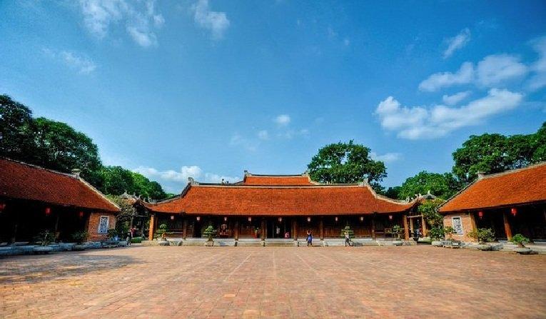 cours-du-temple-de-la-litterature-de-hanoi-vietnam