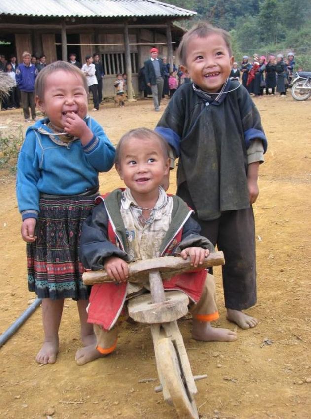 le-sourire-des-enfants-ethniques