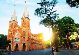 notre-dame-cathedral-saigon-travel-blog-vietnam