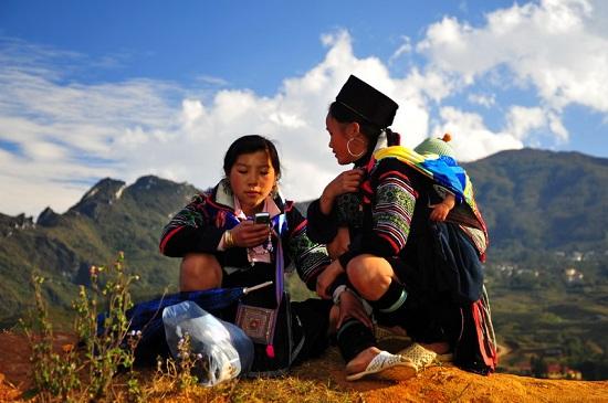 belle-ethnie-hmongs-noirs-nord-vietnam