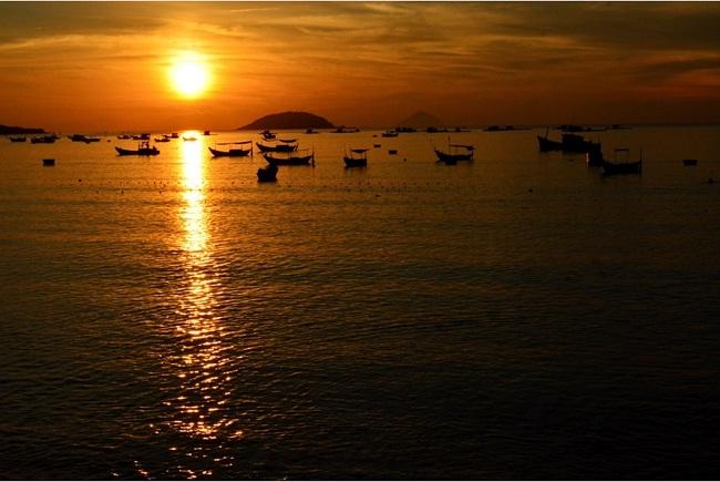 crepuscule-sur-la-mer-nhatrang
