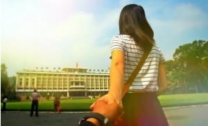 devant-le-palais-de-reunification