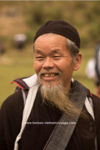 photo-dun-vieux-homme-a-bacha