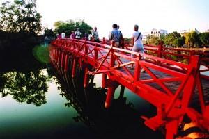 pont rouge hanoi