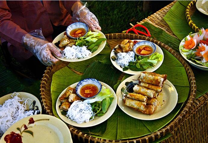 restaurant-de-rue-au-vietnam