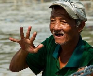 vieux-homme-a-nhatrang