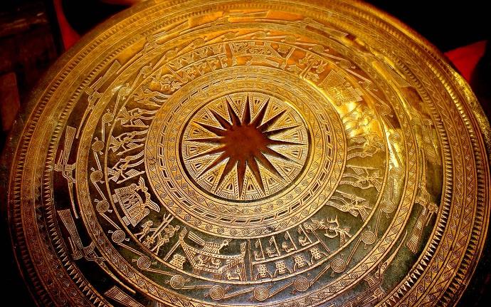 artisanat-vietnamien-tambour-de-bronze