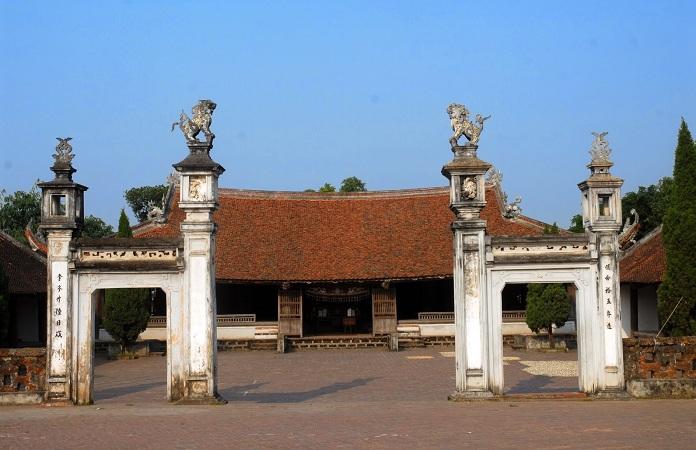 la-maison-communale-du-village-vietnamien