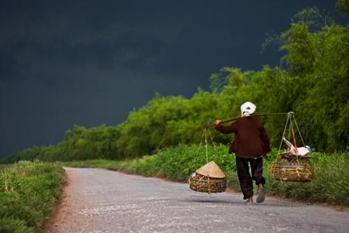 femme-au-marche-vietnam