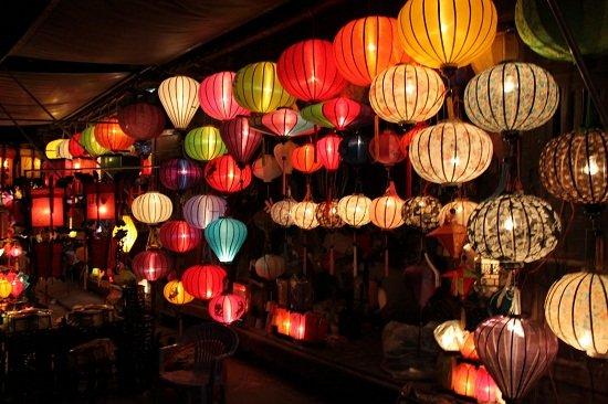 les-lampes-colorees-hoian