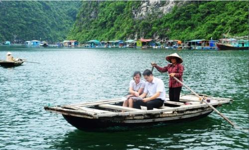 photo-vendeuse-halong-vietnam