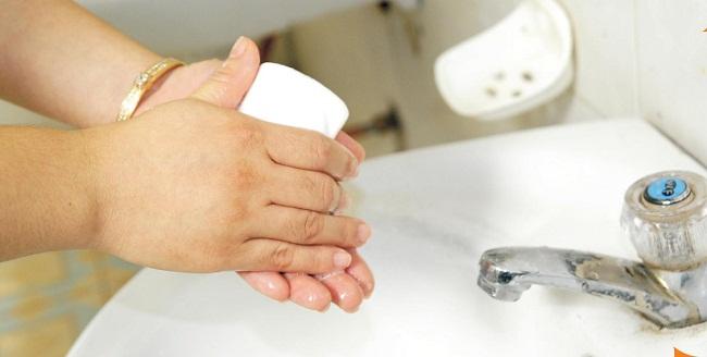 Laver-les-mains-avant-de-manger
