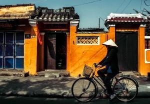 la-rue-de-hoi-an-au-vietnam