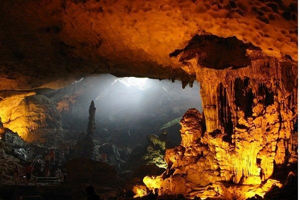 belle-grottes-a-halong
