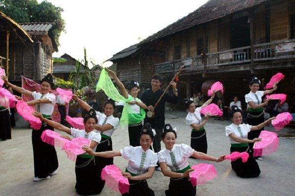 danse-traditionnelle-de-maichau