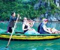 kayaking-a-halong