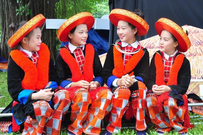 tenue des ethnies vietnam